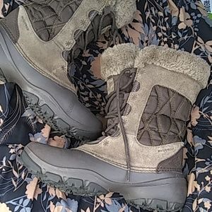 Columbia Boots 7.5